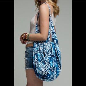 """""""Ruggine"""" Zippered Boho Hippie Beach Bag"""